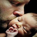 Оспорване и установяване на бащинство. Срокове.